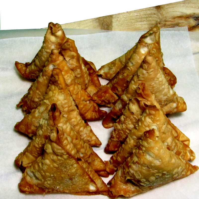 Large Chicken Samosas x15 **works out cheaper than 12s**