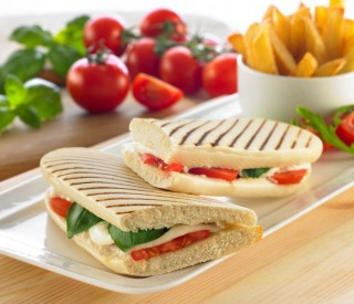 P/B (7100) Thaw & Serve White Panini 30 x 135gm